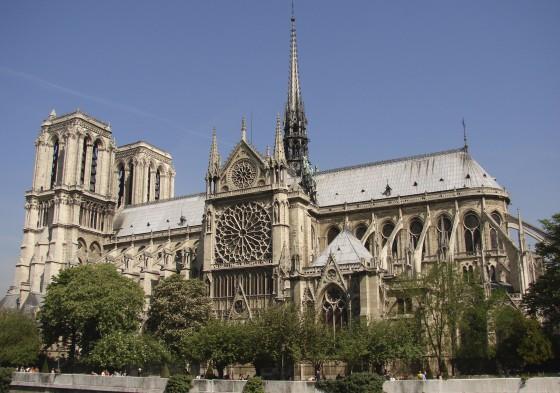 the Notre dame de paris church side view