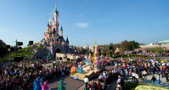 DisneyMagicOnParade-DisneylandParis