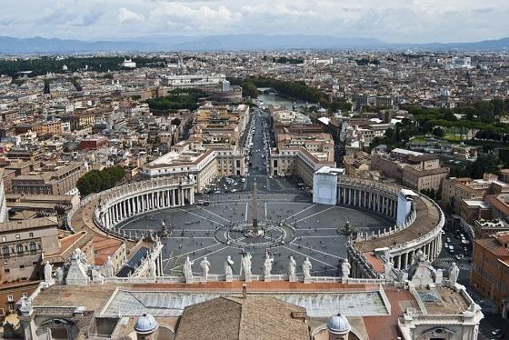 Vistas-desde-la-c--pula-de-San-Pedro-del-Vaticano