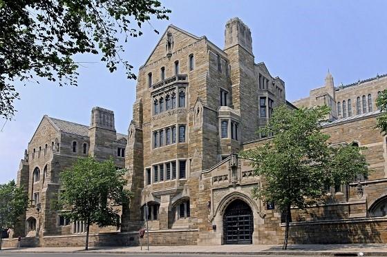 Universidad-Yale