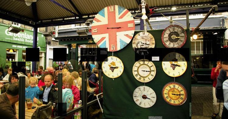Uno-de-los-más-típicos-mercados-de-Inglaterra.-Flick.